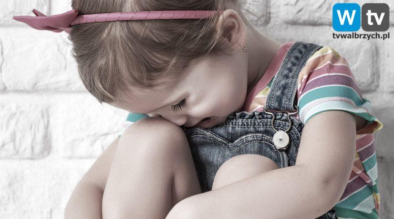Zarzut zabójstwa dla rodziców 3-latki – rodzice mieli skatować dziecko na śmierć