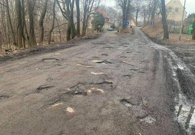 Są dziury, ale nie będzie przebudowy ulicy Burczykowskich
