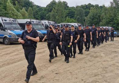 200 policjantów szukało ciała mordercy w Parku Książańskim